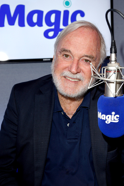 Magic Kingdom「John Cleese Visits Magic.FM」:写真・画像(16)[壁紙.com]