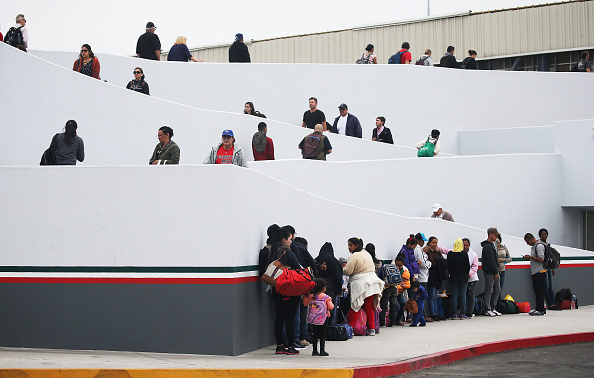 "Entrance「President Trump's ""Zero Tolerance"" Mexico Border Policy Stirs Controversy And Confusion」:写真・画像(15)[壁紙.com]"
