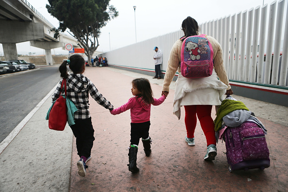 "Refugee「President Trump's ""Zero Tolerance"" Mexico Border Policy Stirs Controversy And Confusion」:写真・画像(14)[壁紙.com]"