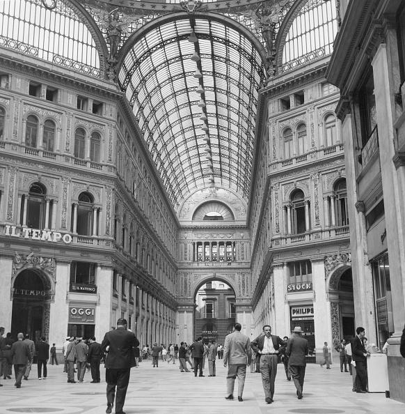 Architectural Feature「Naples Arcade」:写真・画像(7)[壁紙.com]