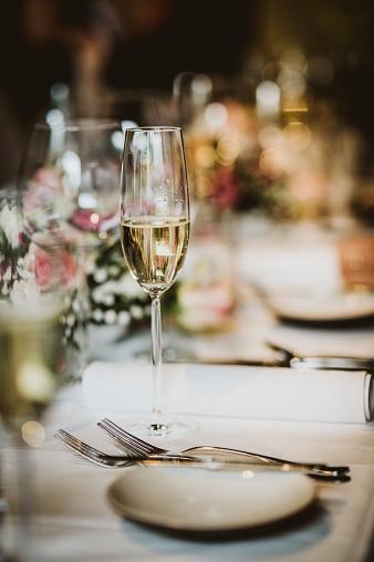 Champagne Flute「Wedding dinner table」:スマホ壁紙(12)