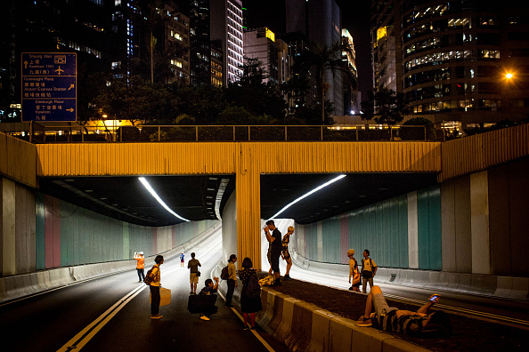 Empty Road「Hong Kong's Pro Democracy Sit In Enters Second Week」:写真・画像(17)[壁紙.com]