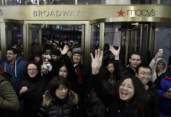 Entrance「Consumers Get Jump On Black Friday Deals By Shopping Thursday Evening」:写真・画像(18)[壁紙.com]