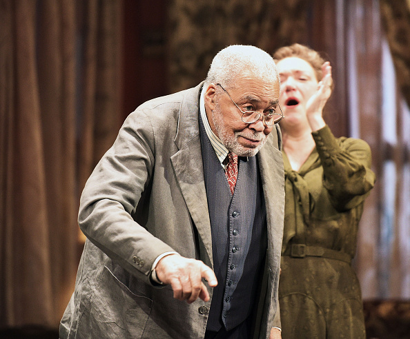 James Earl Jones「'You Can't Take It With You' Final Curtain Call」:写真・画像(7)[壁紙.com]
