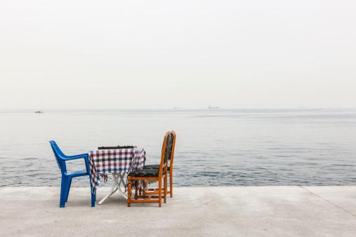 Boulevard「Table near the Sea of Marmara」:スマホ壁紙(2)