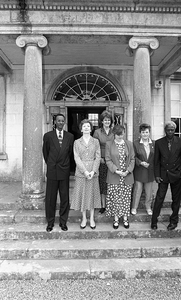 Politician「President Mary Robinson, Vice President of Rwanda Maj Gen Paul Kagame and Minister for Foreign Affairs Joan Burton Strokestown House 1996」:写真・画像(16)[壁紙.com]
