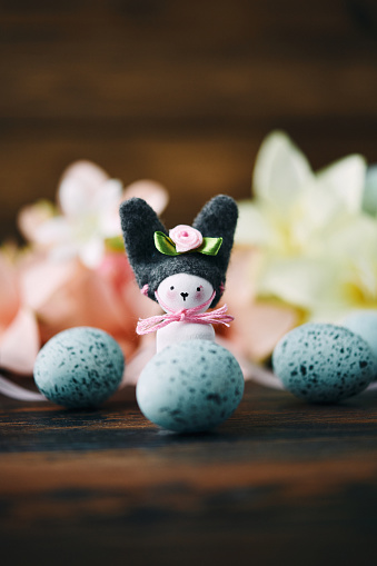 Easter Bunny「Handmade bunny with lilies and speckled eggs」:スマホ壁紙(4)