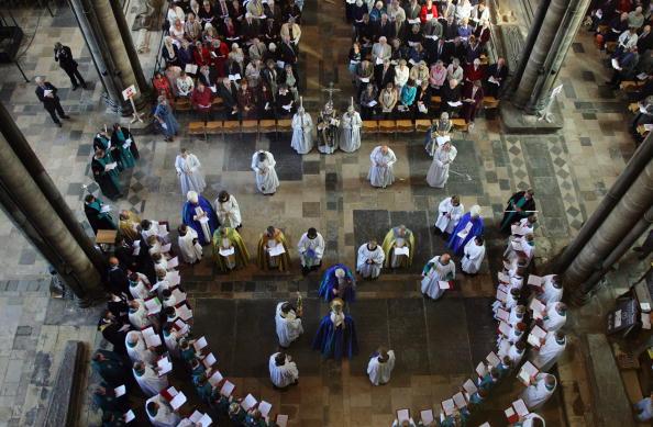 Environmental Conservation「Rowan Williams Dedicates The New Font At Salisbury Cathedral」:写真・画像(12)[壁紙.com]