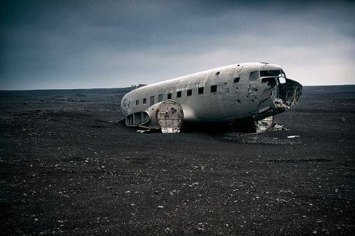 Airplane Crash「Old remnant plane that crashed」:スマホ壁紙(4)