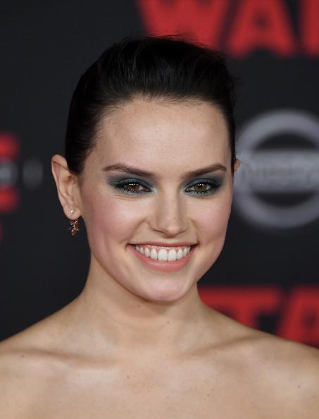 シュラインオーディトリアム「Premiere Of Disney Pictures And Lucasfilm's 'Star Wars: The Last Jedi' - Arrivals」:写真・画像(11)[壁紙.com]