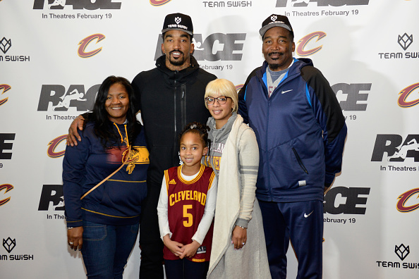 J R スミス「J.R. Smith Of The Cleveland Cavaliers Hosts A Private Screening Of RACE For His Teammates And The Boys & Girls Club Of Cleveland」:写真・画像(15)[壁紙.com]