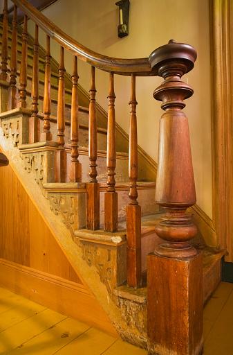 19th Century「Old Staircase」:スマホ壁紙(10)