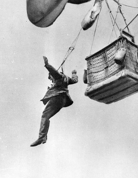気球「Early Parachute」:写真・画像(3)[壁紙.com]