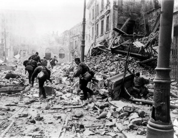 Rebellion「Warsaw Uprising」:写真・画像(8)[壁紙.com]
