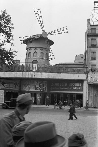 パリ「Moulin Rouge During World War」:写真・画像(19)[壁紙.com]