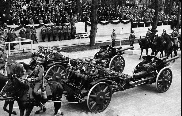Recreational Horseback Riding「Parade Of German Military Might」:写真・画像(14)[壁紙.com]