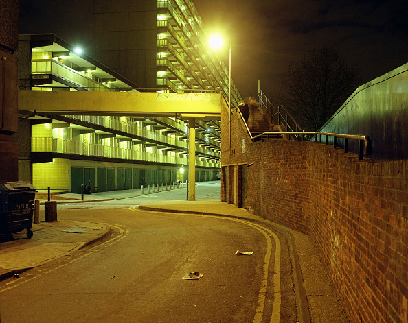 Apartment「Housing estate, Elephant and Castle, London, UK」:写真・画像(6)[壁紙.com]