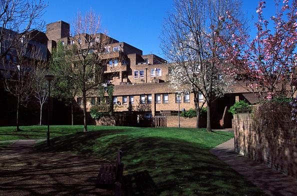 Brick Wall「Housing estate, london docklands. UK」:写真・画像(7)[壁紙.com]