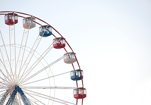 Ferris Wheel「ferris wheel against white background」:スマホ壁紙(8)