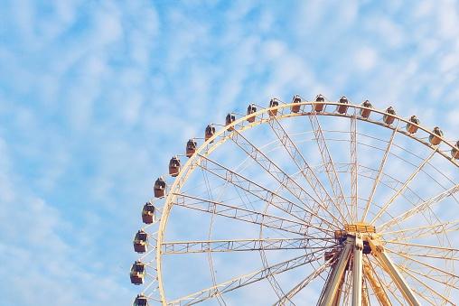 Ferris Wheel「Ferris wheel against blue sky」:スマホ壁紙(3)