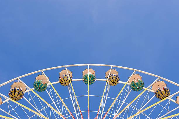 Ferris wheel アゲインスト青い空、copyspace のトップ:スマホ壁紙(壁紙.com)