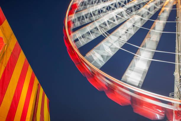 Ferris wheel at night:スマホ壁紙(壁紙.com)