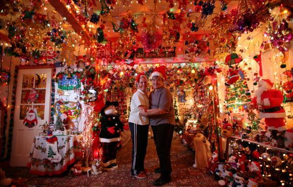 Christmas Lights「Suburbia Lights Up For Xmas Despite Call To Reduce Carbon Emissions」:写真・画像(3)[壁紙.com]