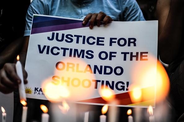 フロリダ州オーランド「Vigils In Manila After The Orlando Shooting」:写真・画像(15)[壁紙.com]