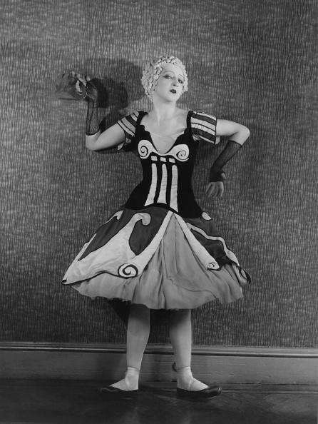 エンタメ総合「Danilova In Costume For 'Le Bal'」:写真・画像(2)[壁紙.com]