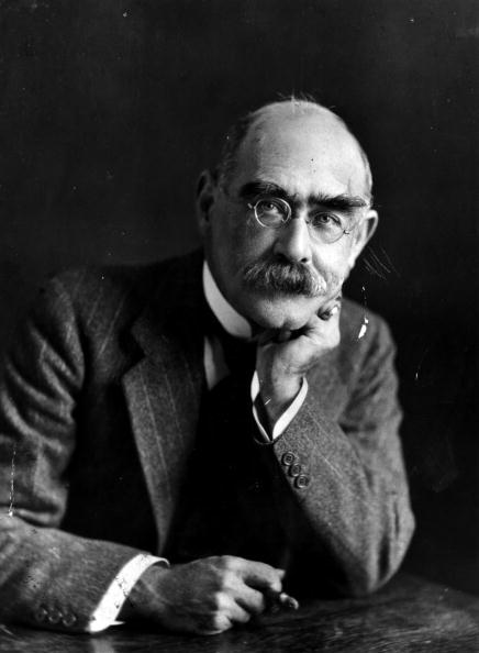 Writing「Rudyard Kipling」:写真・画像(3)[壁紙.com]