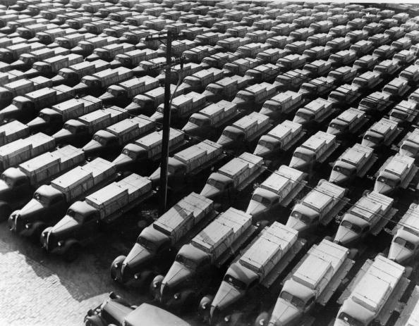 Waiting「Army Lorries」:写真・画像(17)[壁紙.com]