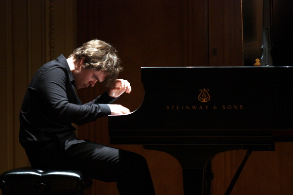 Pianist「Benjamin Grosvenor」:写真・画像(12)[壁紙.com]