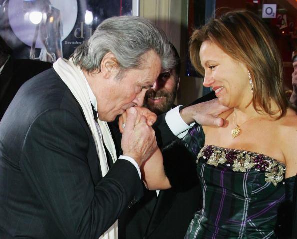 アラン・ドロン「DIVA Awards 2006」:写真・画像(15)[壁紙.com]