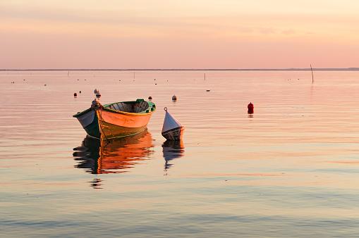Buoy「Boat at sunset, Andernos-les-Bains, Gironde, France」:スマホ壁紙(14)