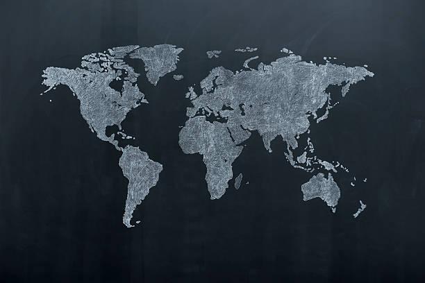 World map on blackboard:スマホ壁紙(壁紙.com)
