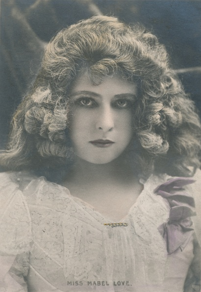 Edwardian Style「Miss Mabel Love (1874-1953)」:写真・画像(19)[壁紙.com]