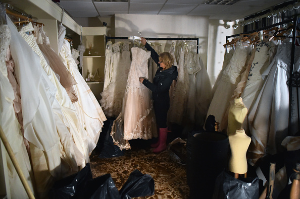 Bride「Cumbria Counts The Cost Of Flood Damage As The Water Begins To Recede」:写真・画像(18)[壁紙.com]