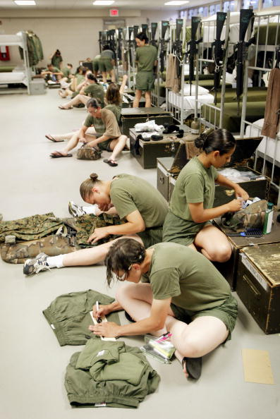 Scott Olson「Women Train to Become U.S. Marines」:写真・画像(19)[壁紙.com]