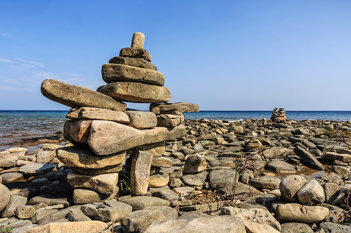 Bruce Peninsula National Park「Inukshuk on Lake Huron, Bruce Peninsula National Park」:スマホ壁紙(2)
