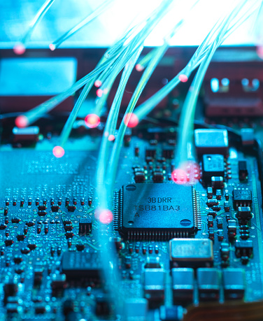 Cyber-「Data passing through fibre optics in computer chip for cyber security」:スマホ壁紙(14)