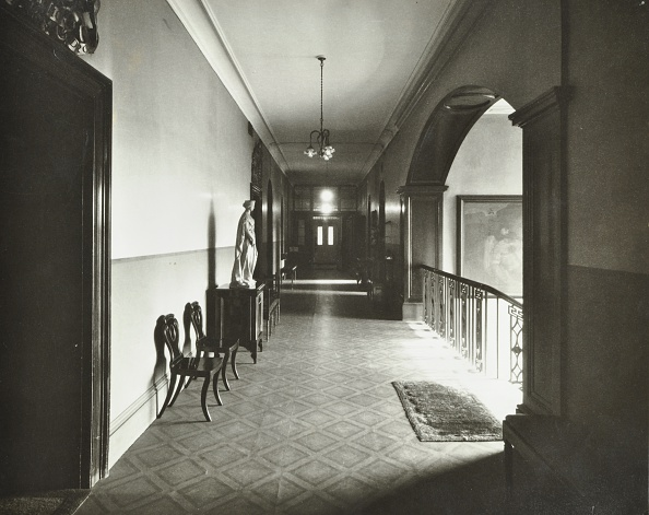 Hall「First Floor Corridor, Bethlem Royal Hospital, London, 1926. .」:写真・画像(5)[壁紙.com]