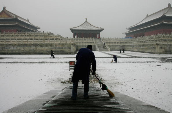 Sweeping「China Endures Coldest Winter In 20 Years」:写真・画像(10)[壁紙.com]