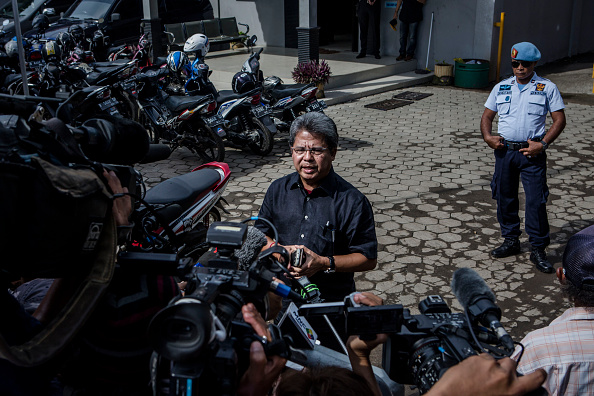 In A Row「Families Of Bali 9 Duo Visit Prison Ahead Of Execution」:写真・画像(14)[壁紙.com]