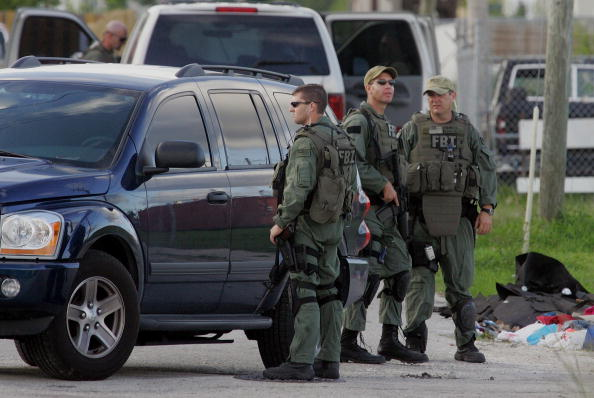FBI「FBI Makes Arrests, Raid Warehouse In Miami Terror Operation」:写真・画像(8)[壁紙.com]