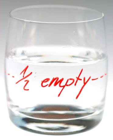 Effort「half empty」:スマホ壁紙(9)