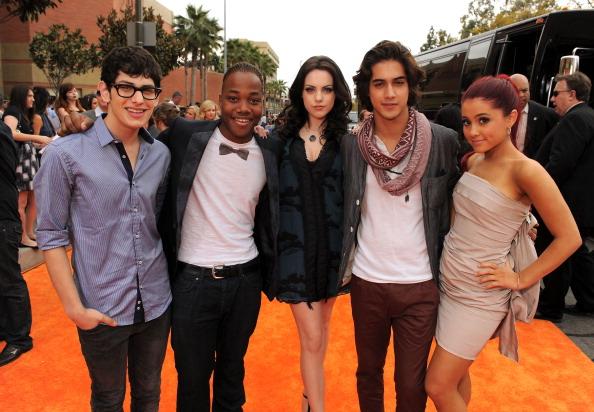 Ariana Grande「Nickelodeon 2011 Kids' Choice Awards - Red Carpet」:写真・画像(5)[壁紙.com]