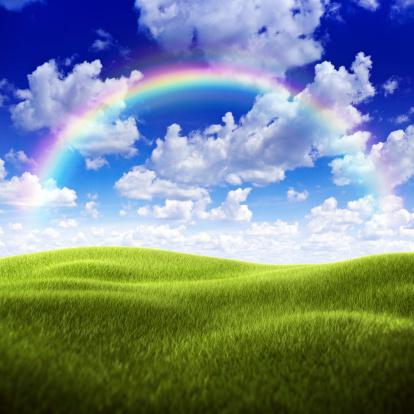 虹「グリーンフィールドに不安定な空模様、レインボー」:スマホ壁紙(18)