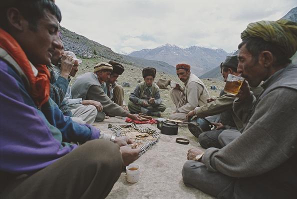 Rug「Tea In The Wakhan Corridor」:写真・画像(4)[壁紙.com]