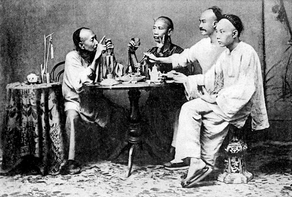 Teapot「Group of men seated at table」:写真・画像(9)[壁紙.com]