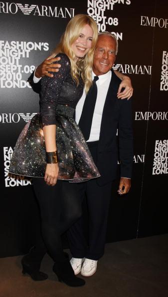 クラウディア・シファー「Fashion's Night Out At Armani - Arrivals」:写真・画像(16)[壁紙.com]